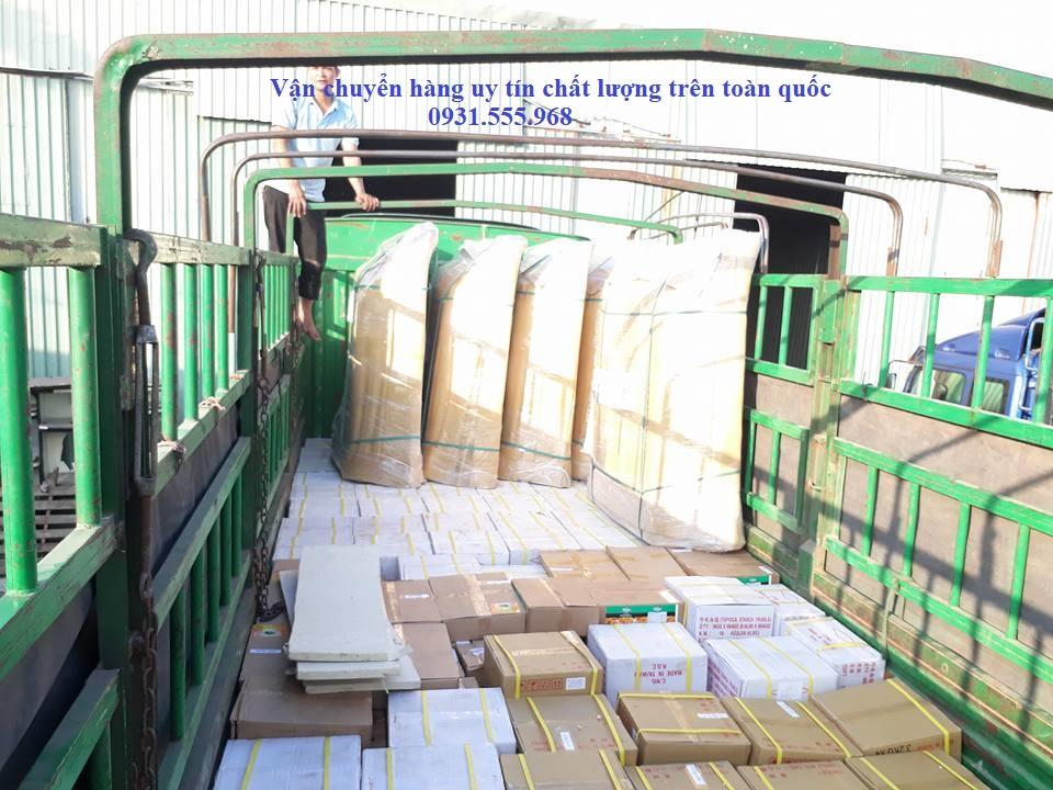 Xe vận chuyển hàng đi Bình Định
